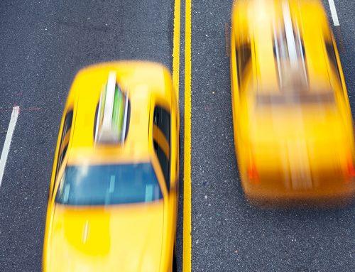 Los taxistas de Madrid trasladan gratuitamente a médicos y sanitarios por el coronavirus